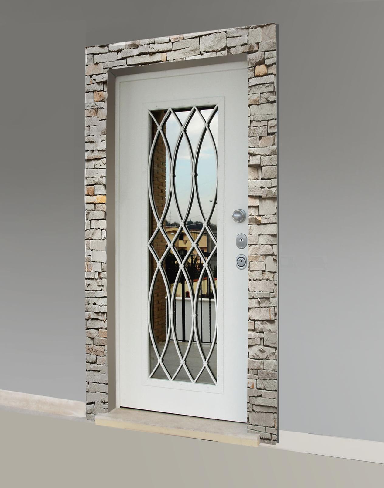 portale in mattoni e porta blindata